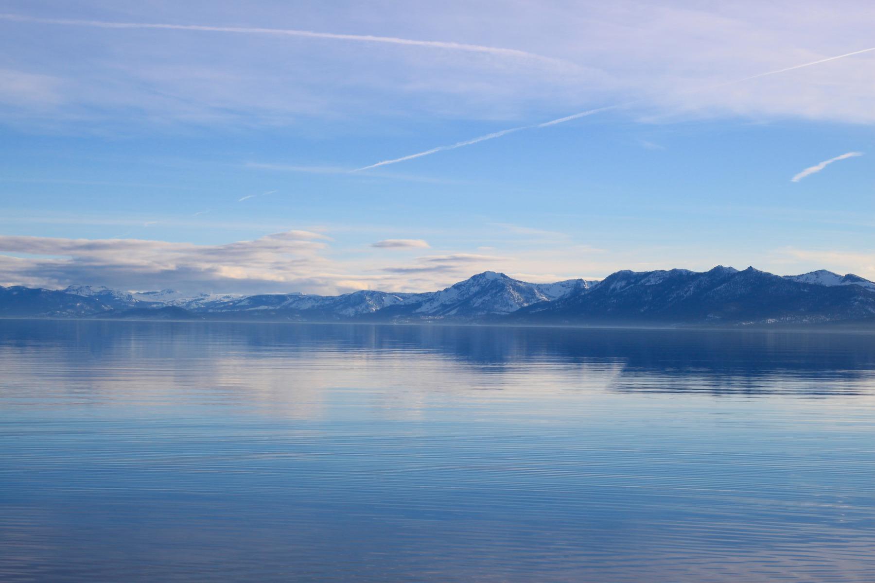 350312-lake